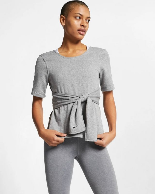 Type Shirts Nike Wmns Studio Yoga Training Top