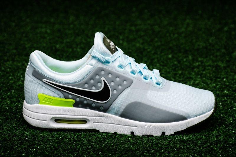 Кецове Nike WMNS Air Max Zero SI