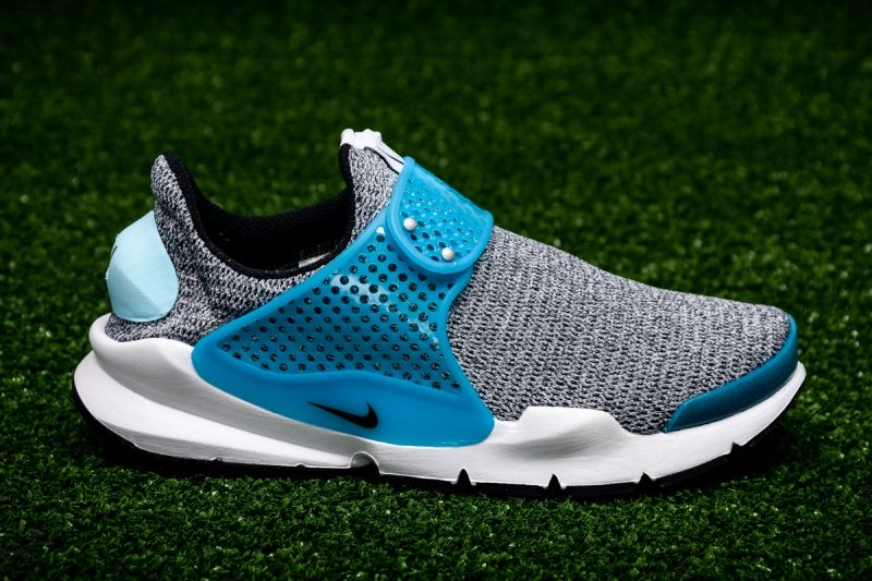 Кецове Nike WMNS Sock Dart SE