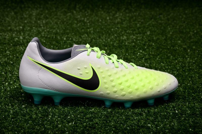 Футболни обувки Nike Magista Onda II FG
