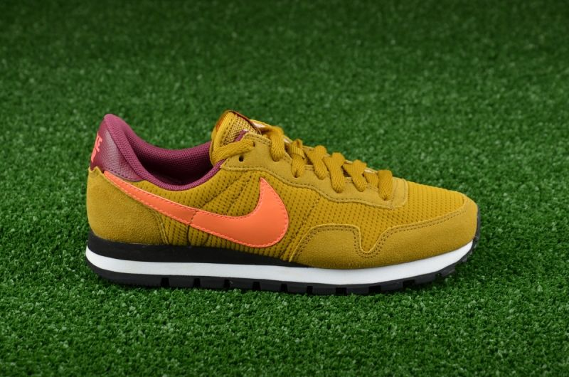 Type Casual Nike WMNS Air Pegasus 83