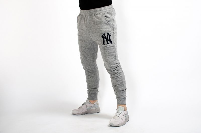 Type Pants Majestic MLB New York Yankees Platt Slim Loopback Jogger Pants