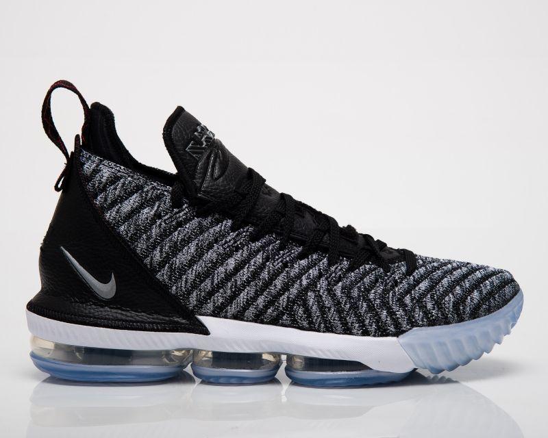 Баскетболни кецове Nike LeBron XVI Oreo