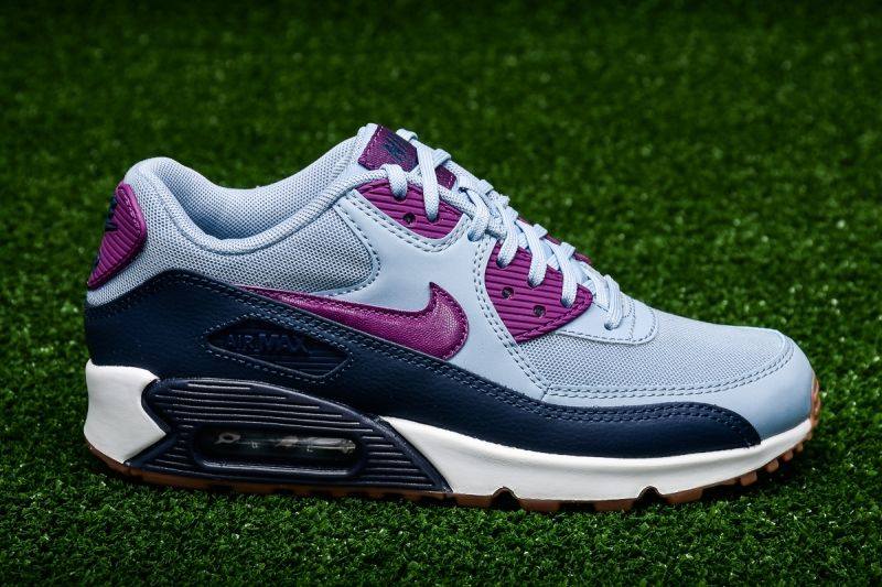 Кецове Nike WMNS Air Max 90 Essential