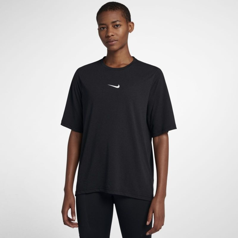 Type Shirts Nike Wmns Elevated Dri-FIT Tee