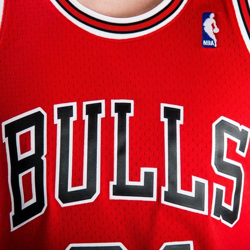 Type Shirts Mitchell & Ness NBA Chicago Bulls Dennis Rodman 1997-98 Road Swingman Jersey