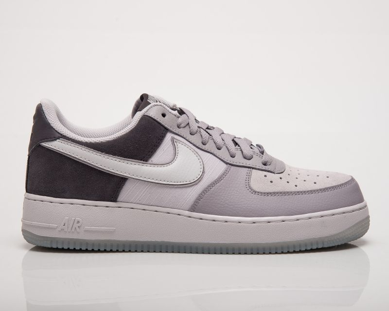 Type Casual Nike Air Force 1 '07 LV8 2
