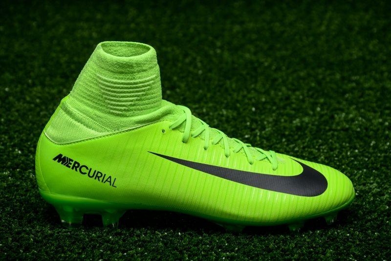 Футболни обувки Nike JR Mercurial Superfly V FG