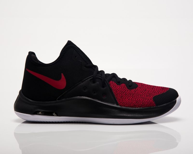 Баскетболни кецове Nike Air Versitile III