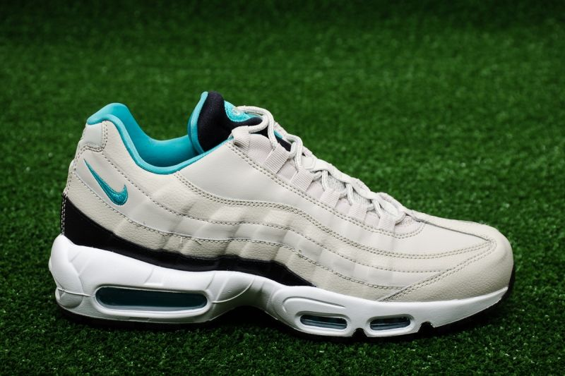 Кецове Nike Air Max 95 Essential