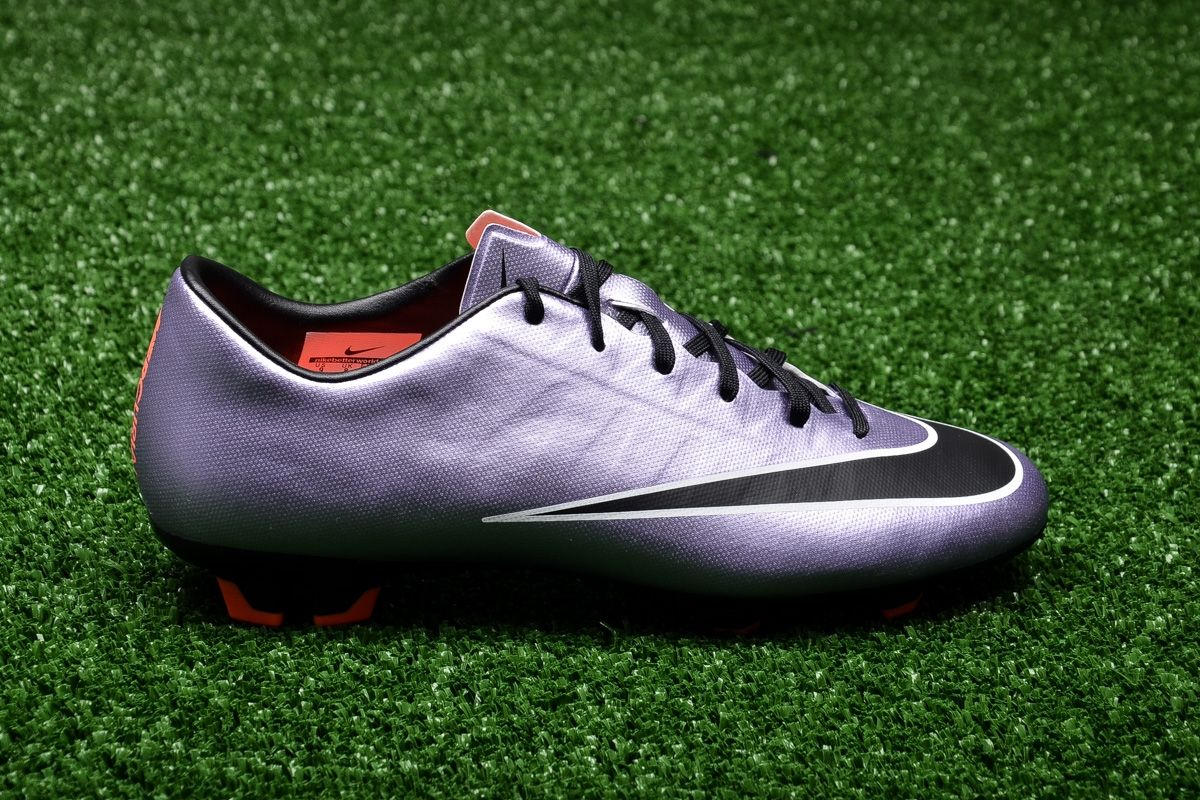 Type Soccer Nike Mercurial Victory V FG