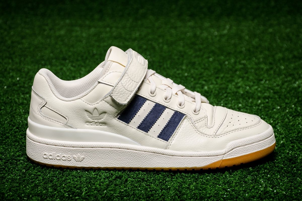 pas cher pour réduction ea9d9 74b99 Type Casual adidas Originals Forum Low