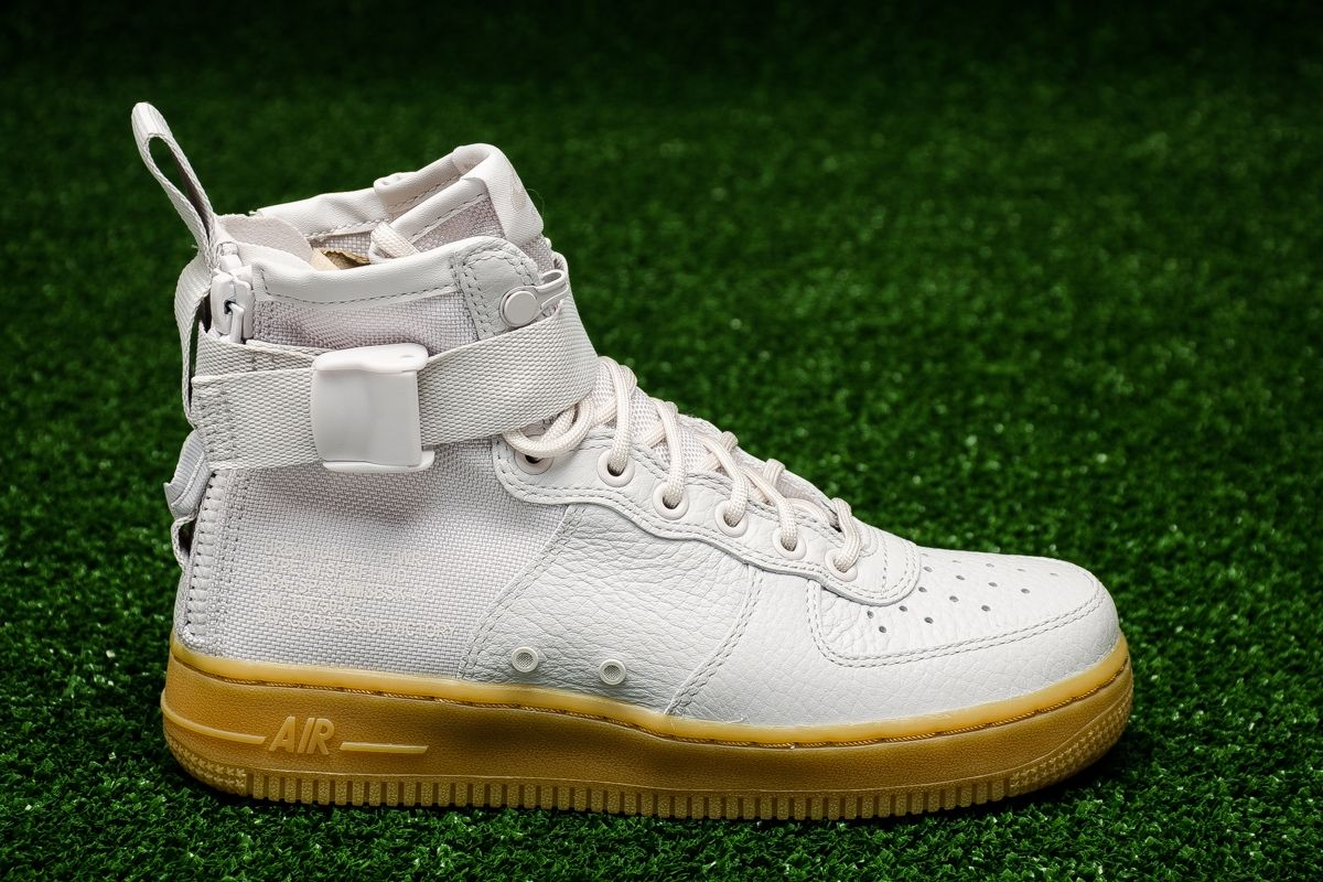 huge discount 87556 143cb Type Casual Nike Wmns SF Air Force 1 Mid