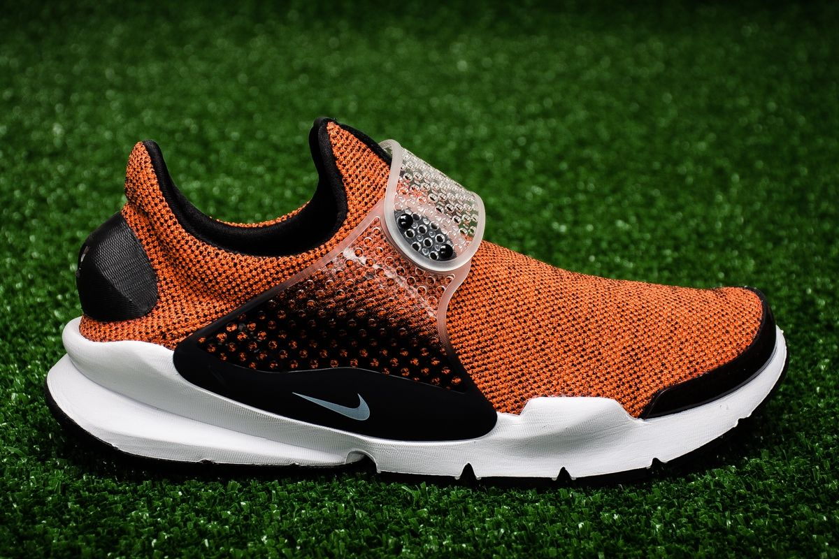 premium selection 27a31 b5868 Type Casual Nike Sock Dart SE