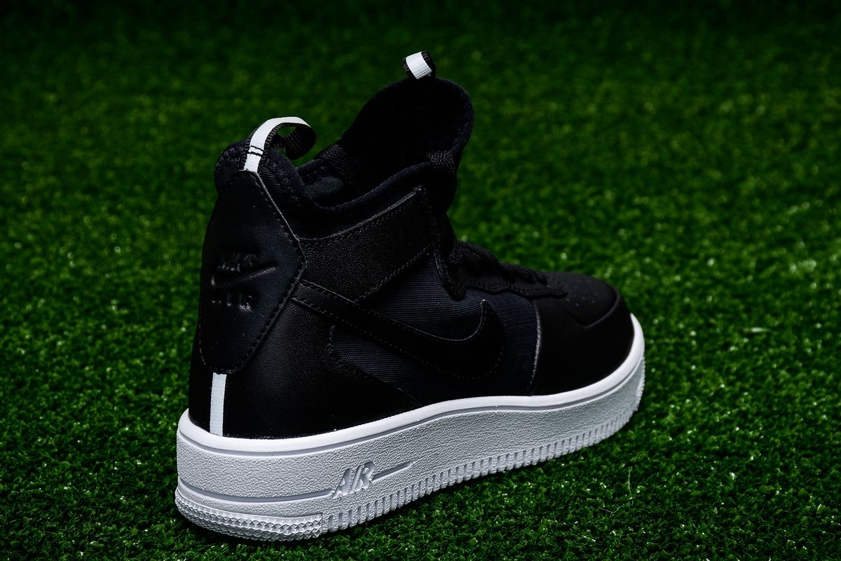official photos 7b0ed 93657 Кецове Nike WMNS Air Force 1 Ultra Force Mid
