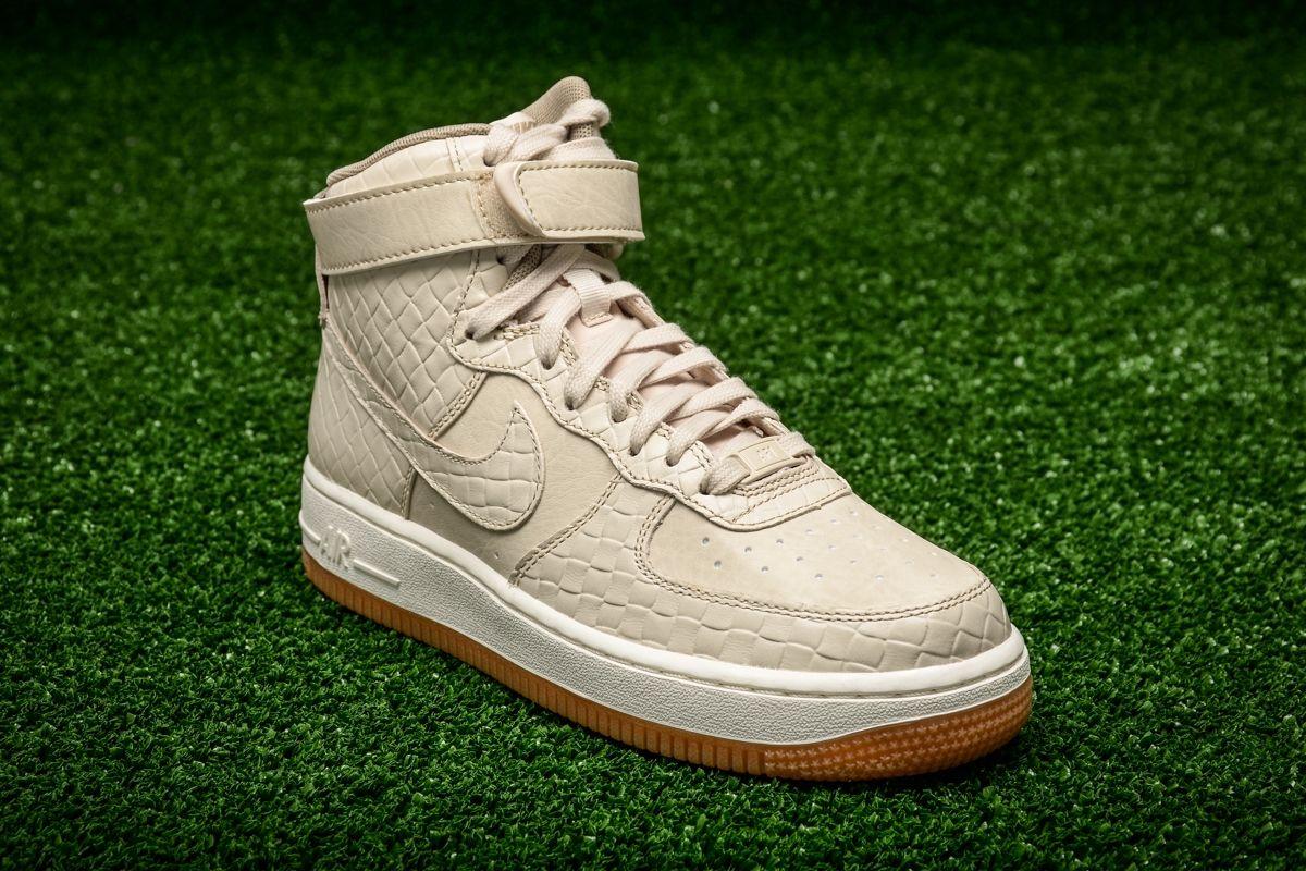 9521a5f3 Кецове Nike WMNS Air Force 1 High Premium