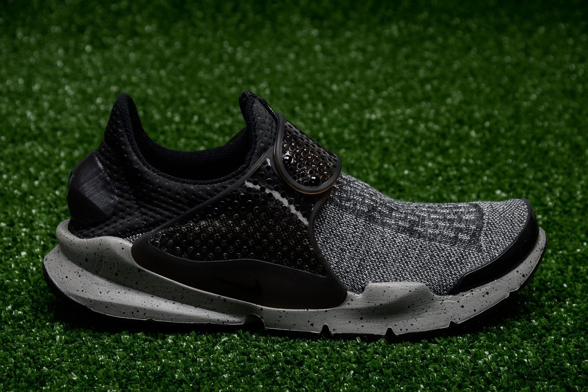 timeless design bf137 64a89 Type Casual Nike Sock Dart Premium SE