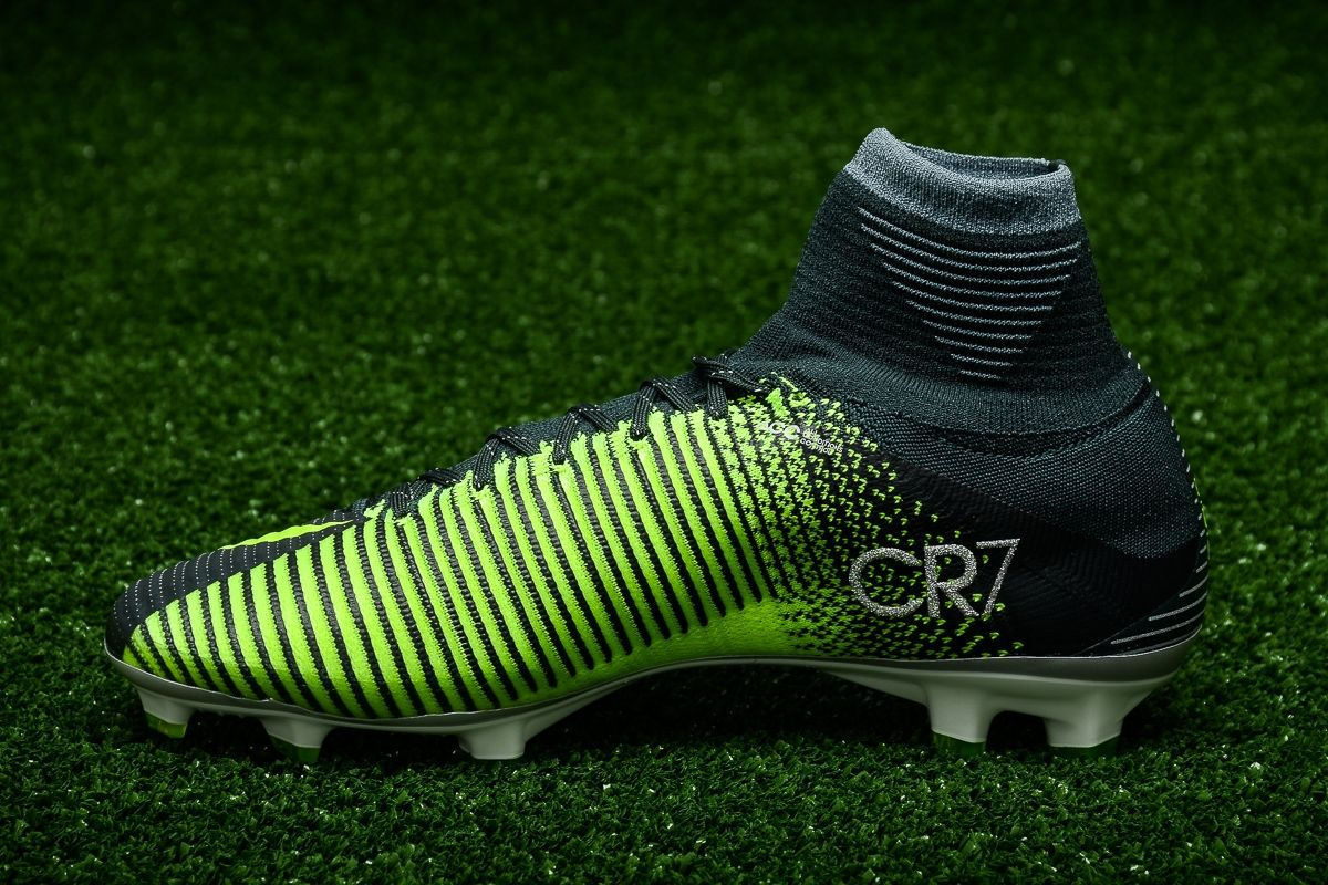 huge discount fddc0 ad785 Type Soccer Nike Mercurial Superfly V CR7 FG