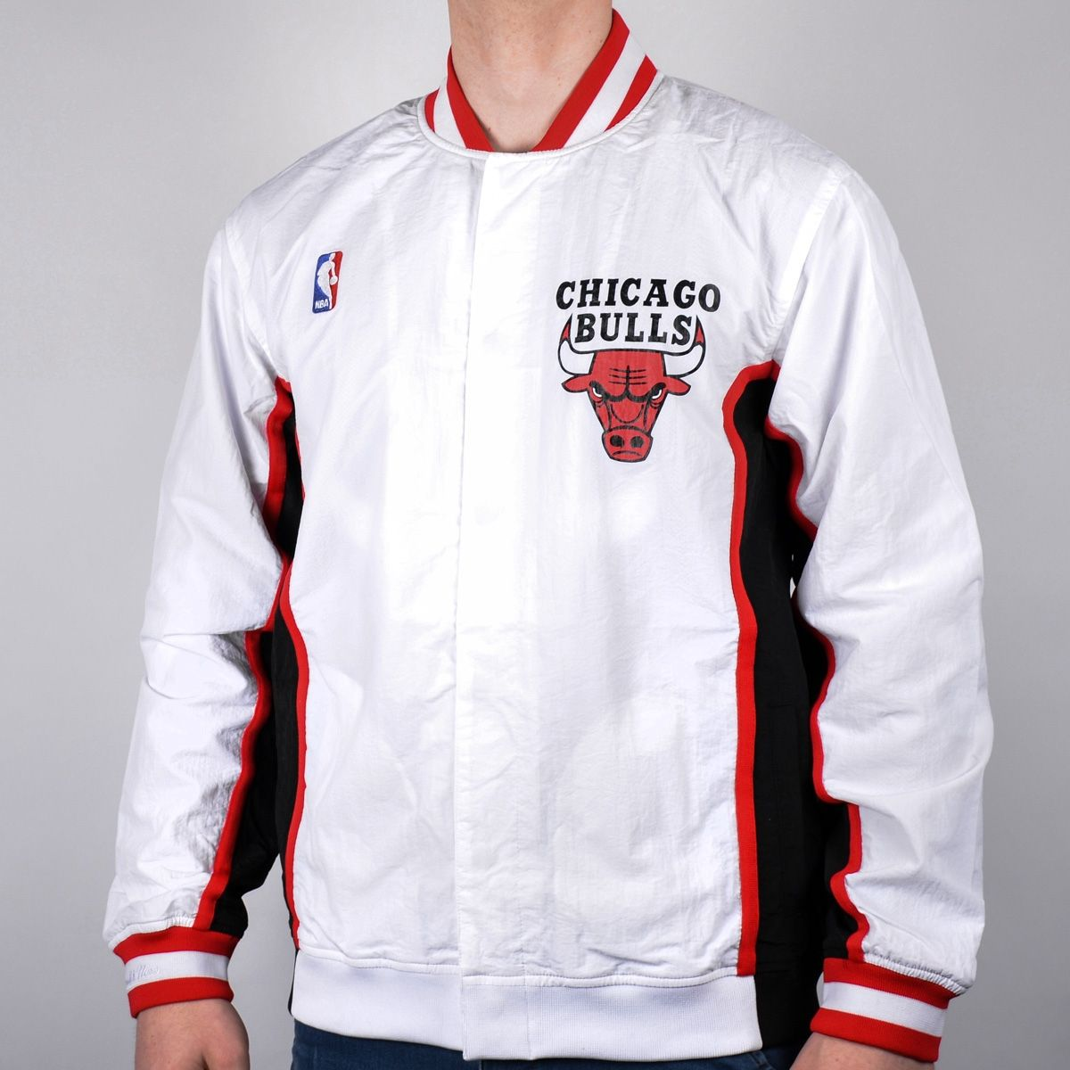 huge selection of 2940f 1a7a1 Яке Mitchell  amp  Ness NBA Chicago Bulls Authentic Warm Up Jacket