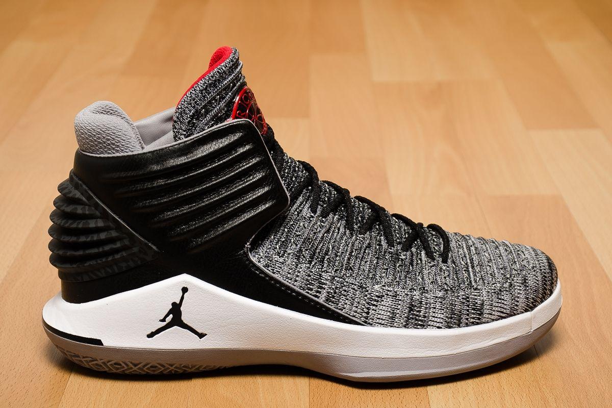 Type Basketball Air Jordan XXXII Black