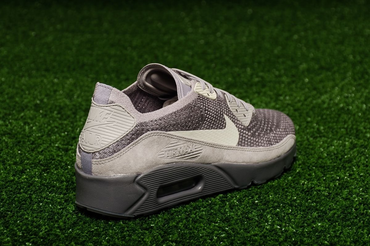 the best attitude c2258 c7c43 Type Casual Nike Air Max 90 Ultra 2.0 Flyknit