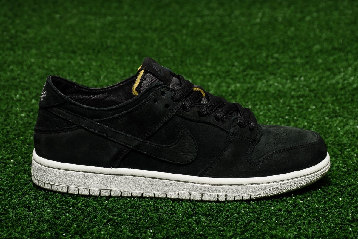 low priced cab38 e8b3d Type Casual Nike SB Zoom Dunk Low Pro Deconstructed