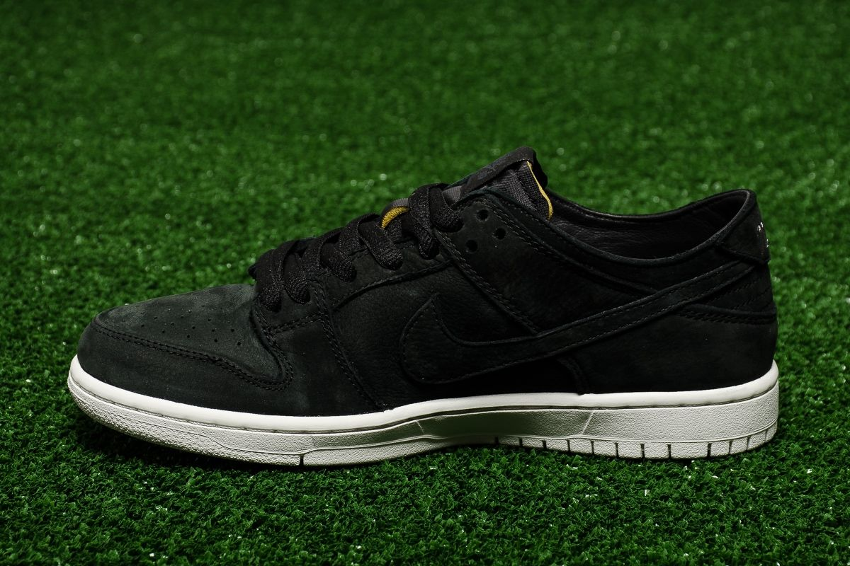 new concept 3d2af 6a567 Кецове Nike SB Zoom Dunk Low Pro Deconstructed