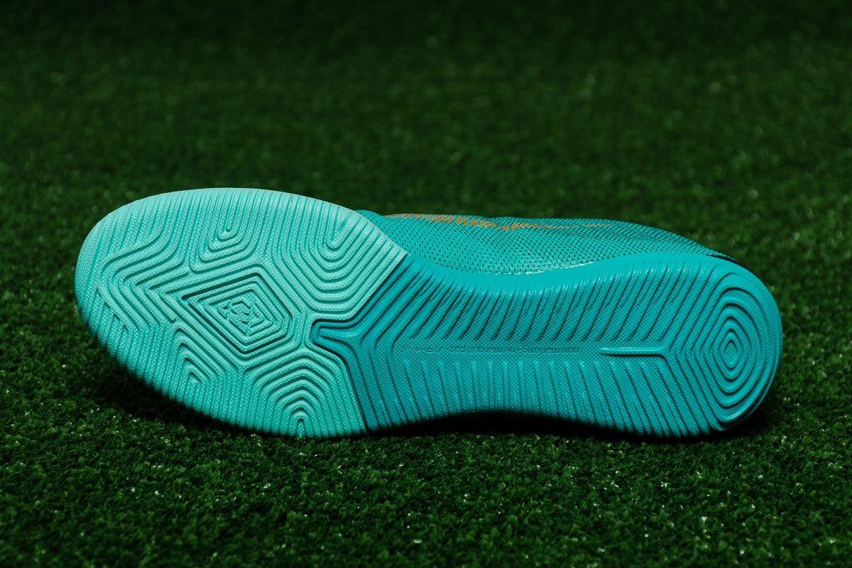 sale retailer 6442e ae21d Type Soccer Nike MercurialX Vapor XII Academy CR7 IC