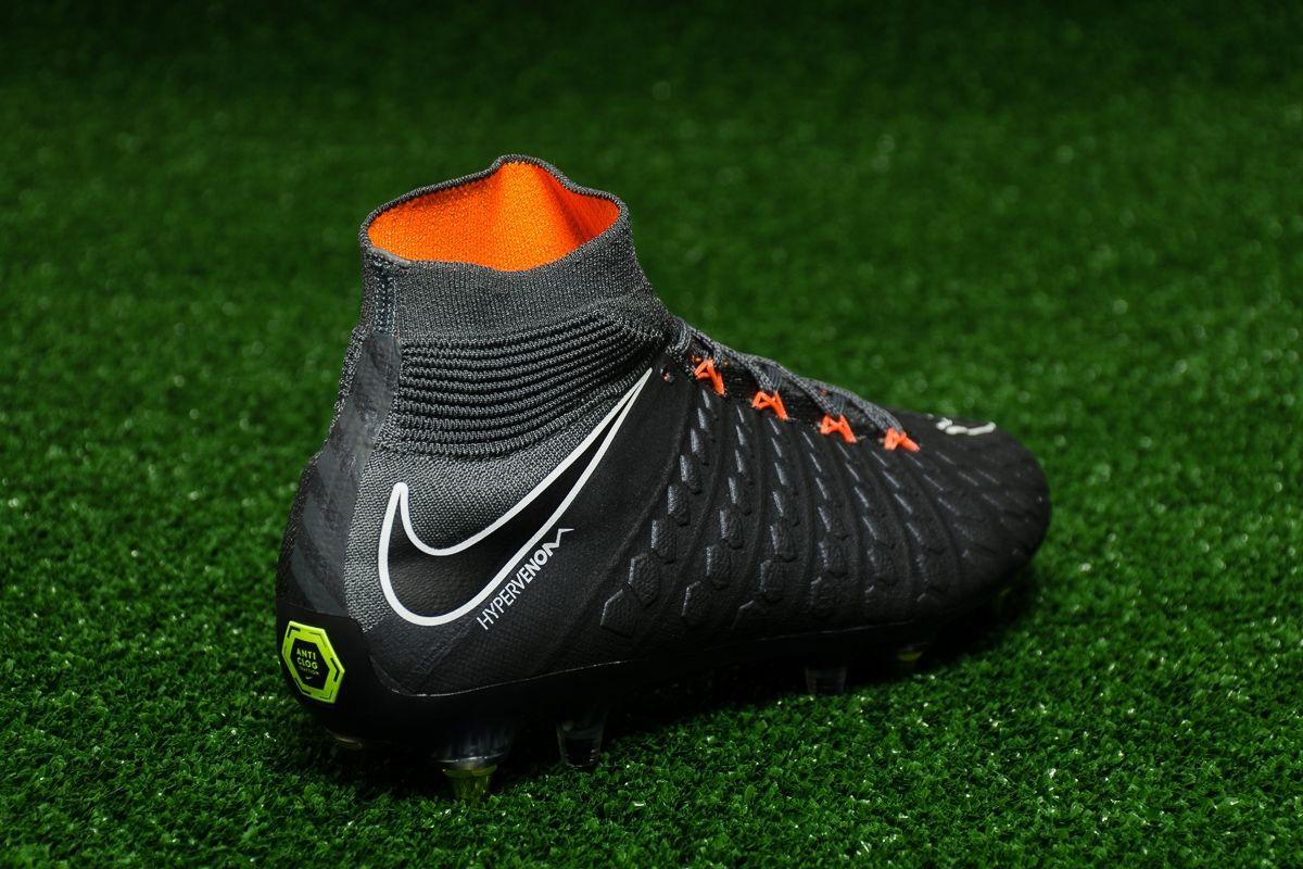 new products 33539 3ba5b Type Soccer Nike Hypervenom Phantom 3 Elite DF SG-PRO AC