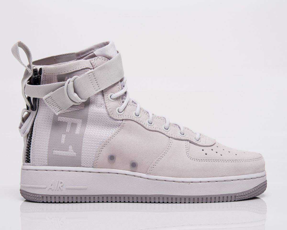 chaussures de sport 7abe5 7e4b1 Type Casual Nike SF Air Force 1 Mid Suede