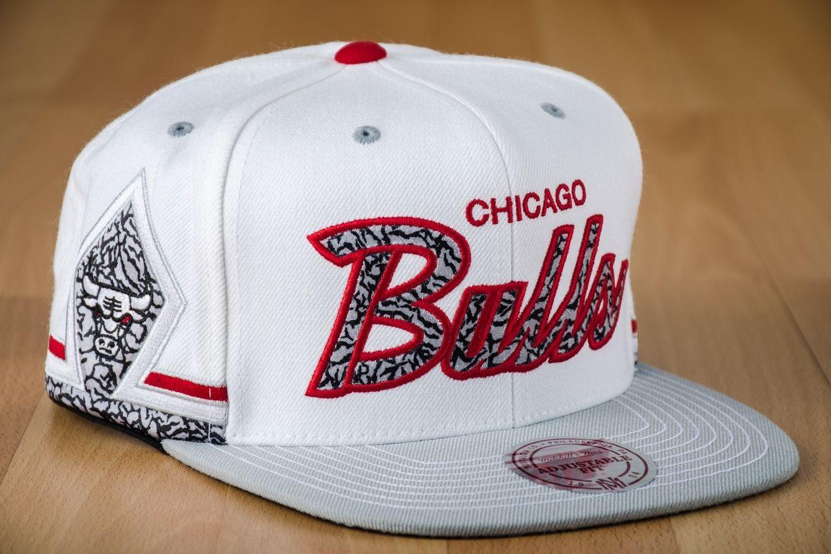 c333611193c Type Caps Mitchell  amp  Ness NBA Chicago Bulls Katrina 3 Snapback Cap