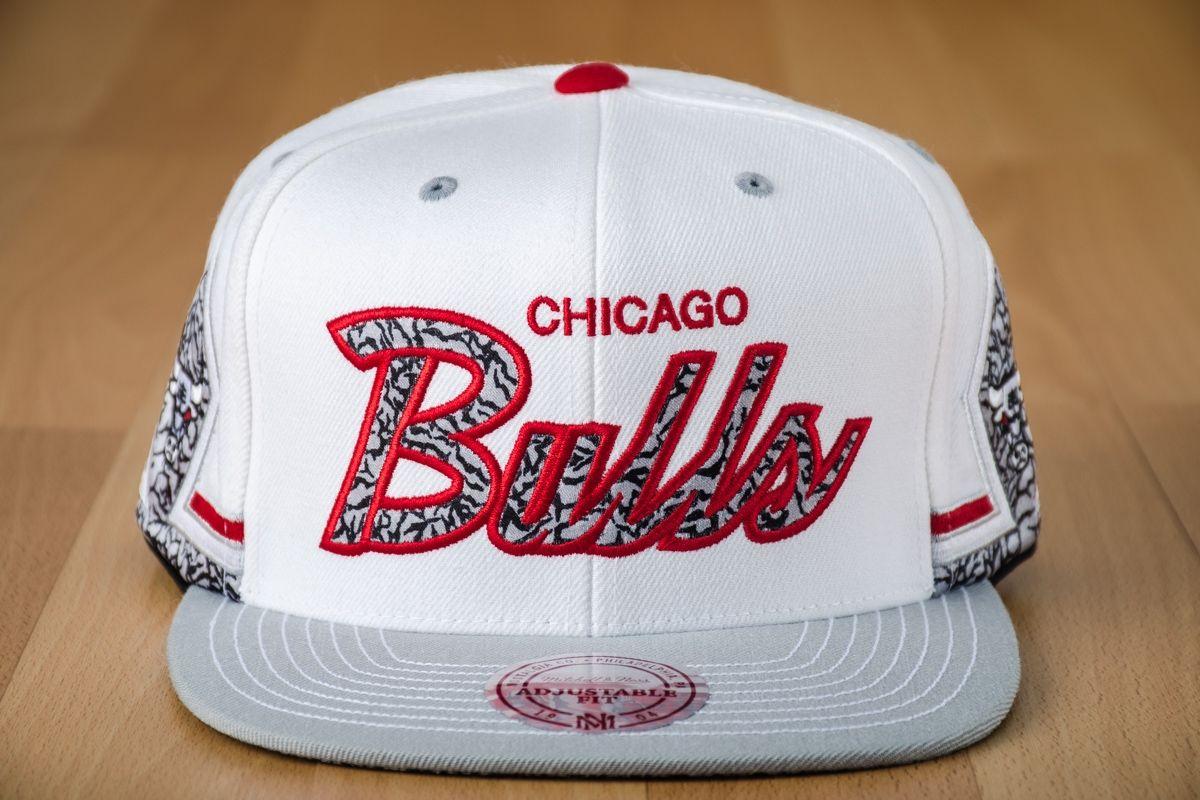 313d054450f 1200x800 · Type Caps Mitchell  amp  Ness NBA Chicago Bulls Katrina 3  Snapback Cap