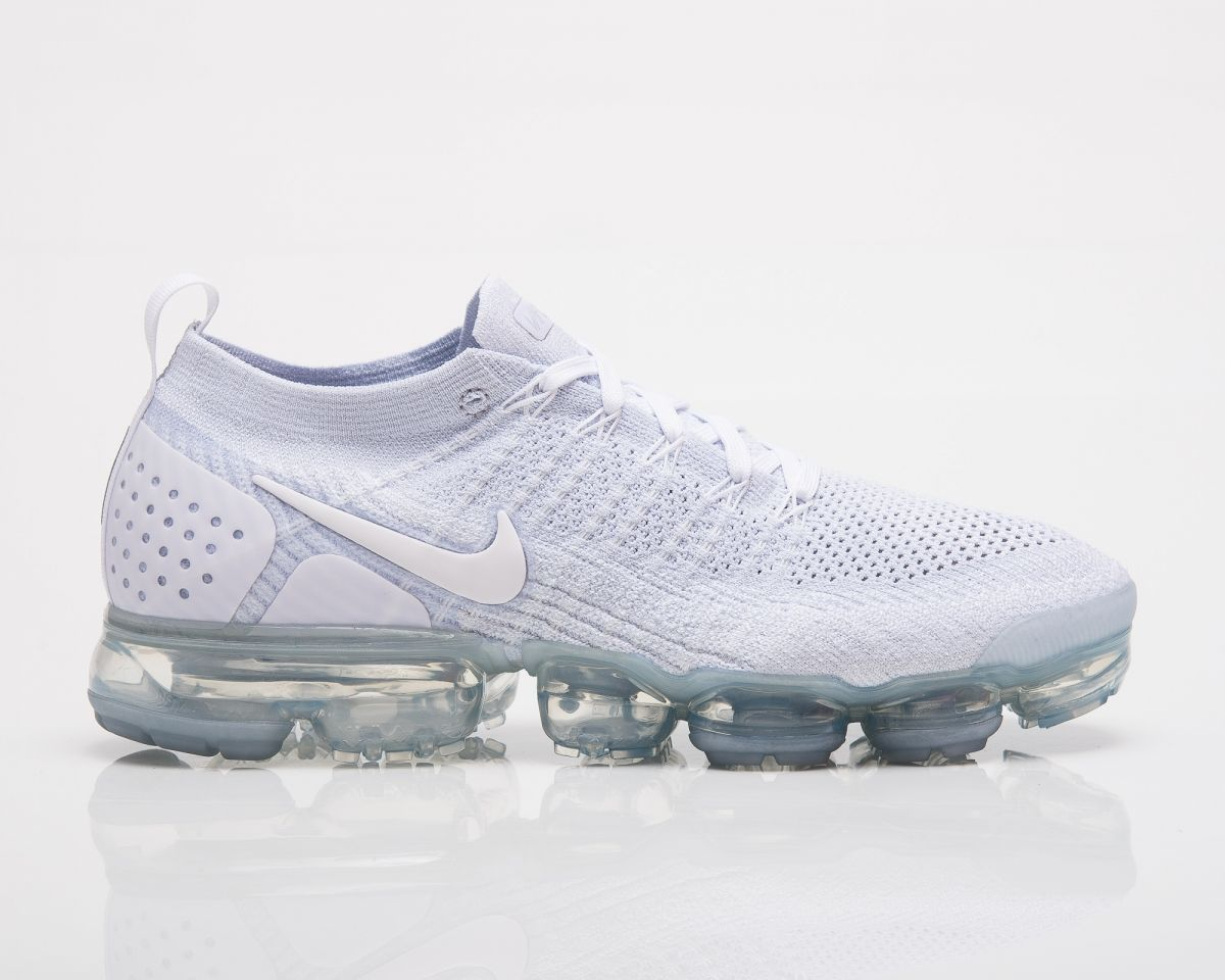 huge selection of b5bb2 7ba2a Type Running Nike Air VaporMax Flyknit 2 Triple White