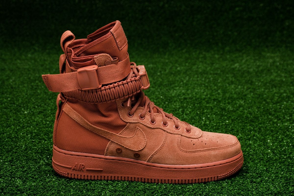 best loved 04668 dfc2e Кецове Nike SF Air Force 1 Mid