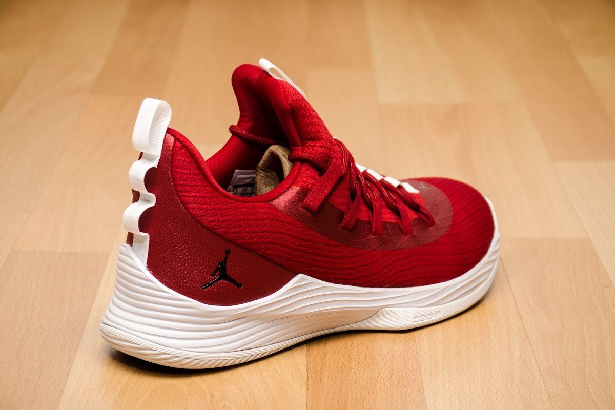 16151cff8ce Баскетболни кецове Jordan Ultra Fly 2 Low
