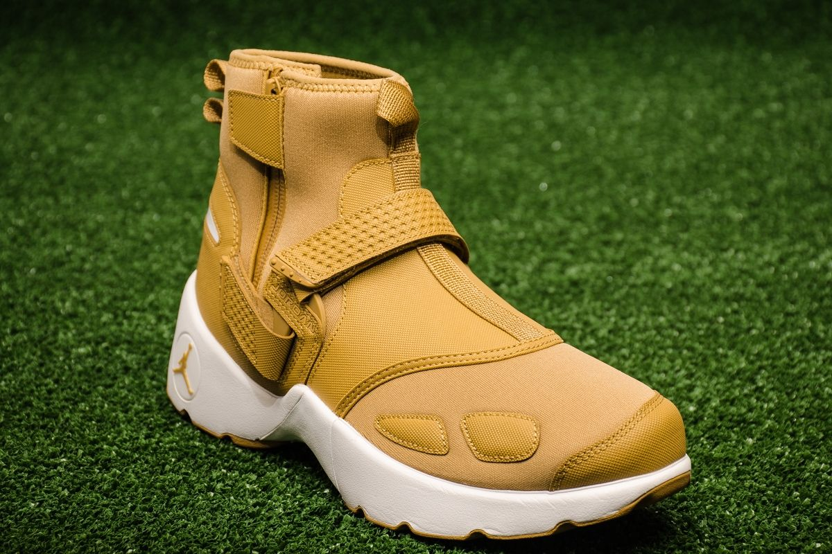 Type Casual Jordan Trunner LX High Wheat 9c9e30e3b
