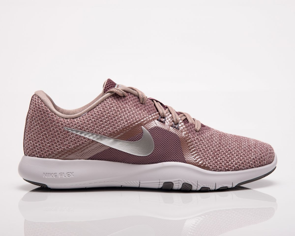 4cb6eb5595516 Type Training Nike Wmns Flex Trainer 8 Premium
