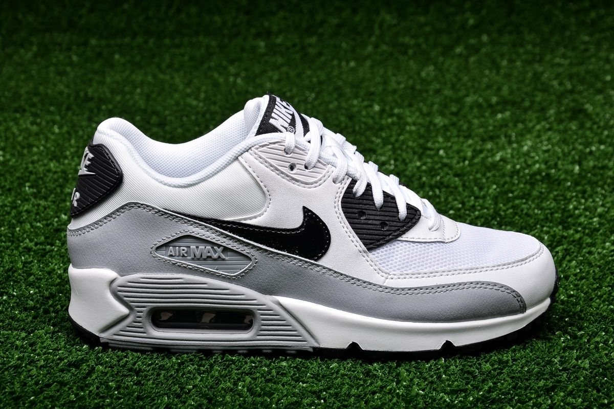 wholesale dealer 5ad3d 036a8 Кецове Nike WMNS Air Max 90 Essential