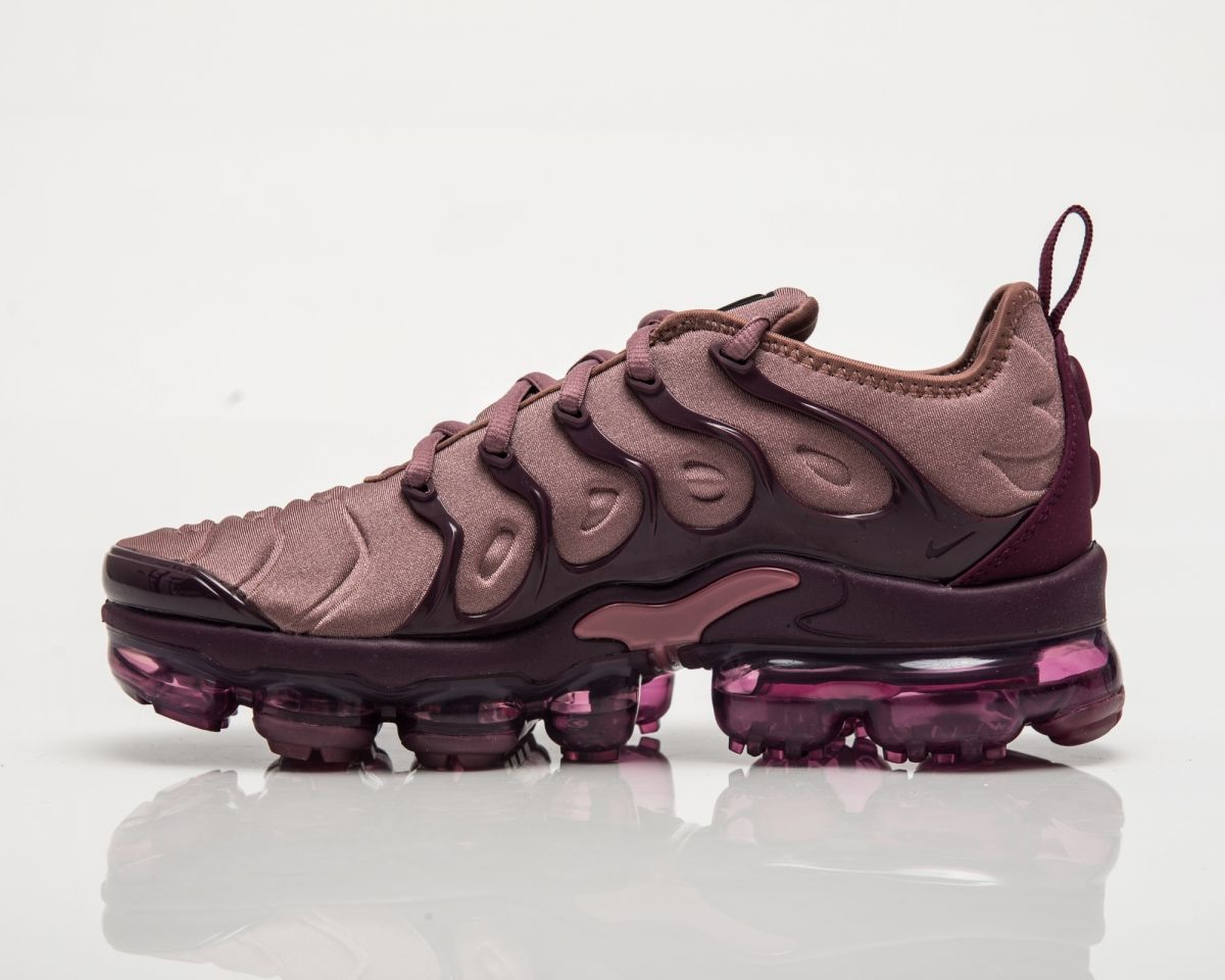 separation shoes 4a256 085ef Кецове Nike Air Wmns VaporMax Plus Burgundy