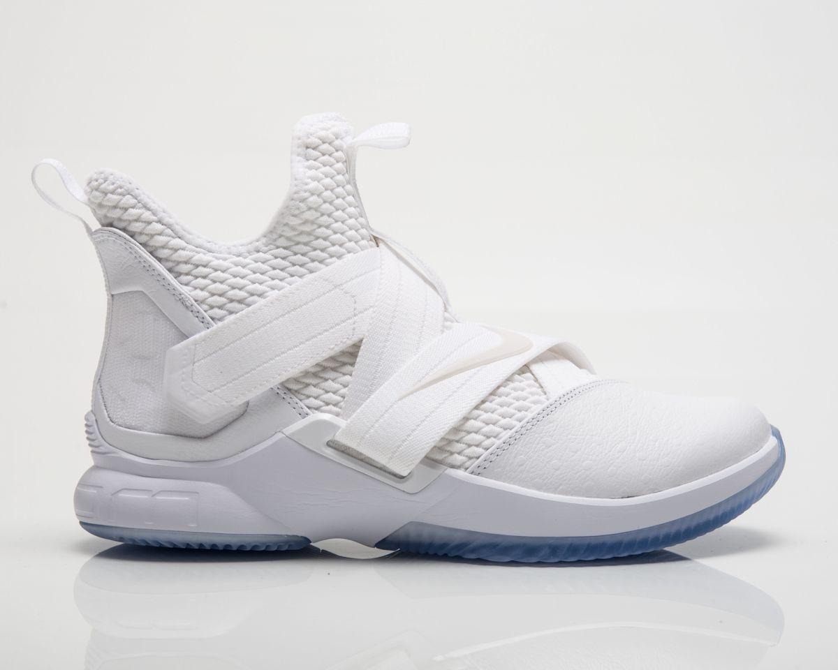 cheaper 22033 ce145 Type Basketball Nike Lebron Soldier XII SFG Triple White