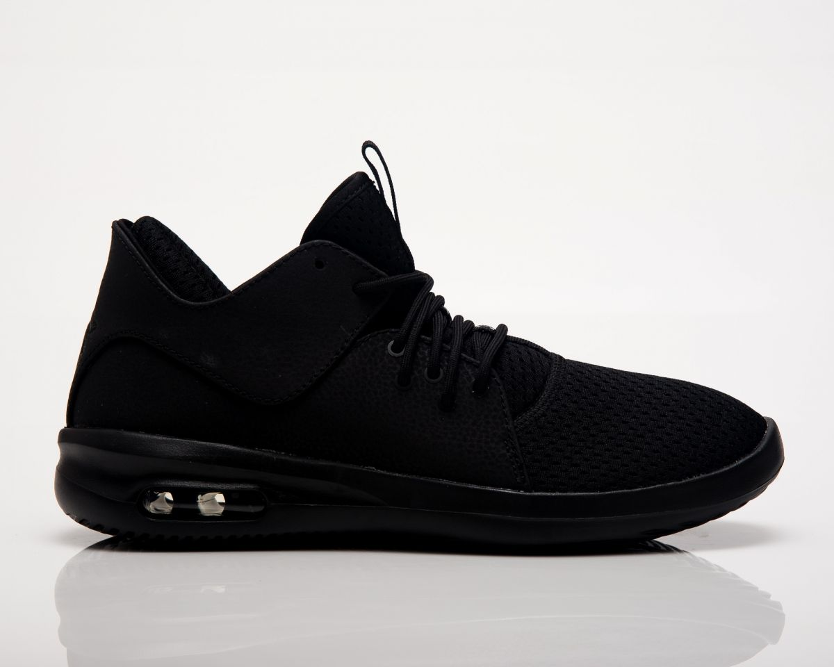 4cbfa016d7 Кецове Air Jordan First Class