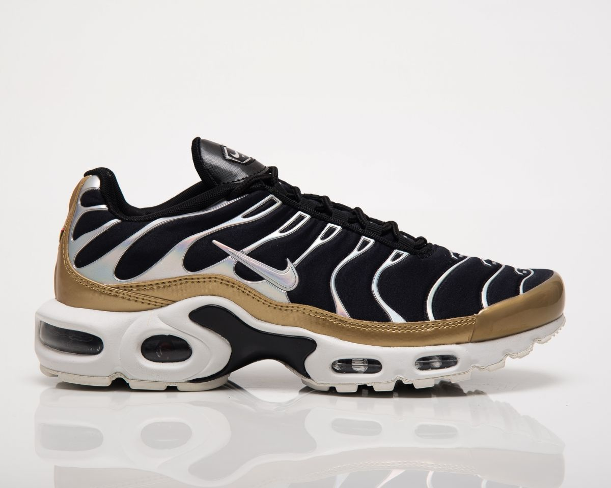 newest d91d5 efc9b Кецове Nike Wmns Air Max Plus Metallic Pack Black Gold