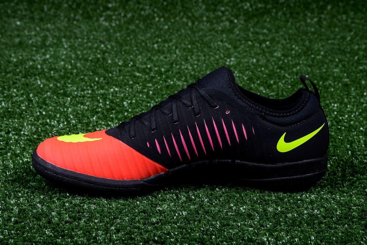 on sale dc273 36778 Type Soccer Nike MercurialX Finale II IC