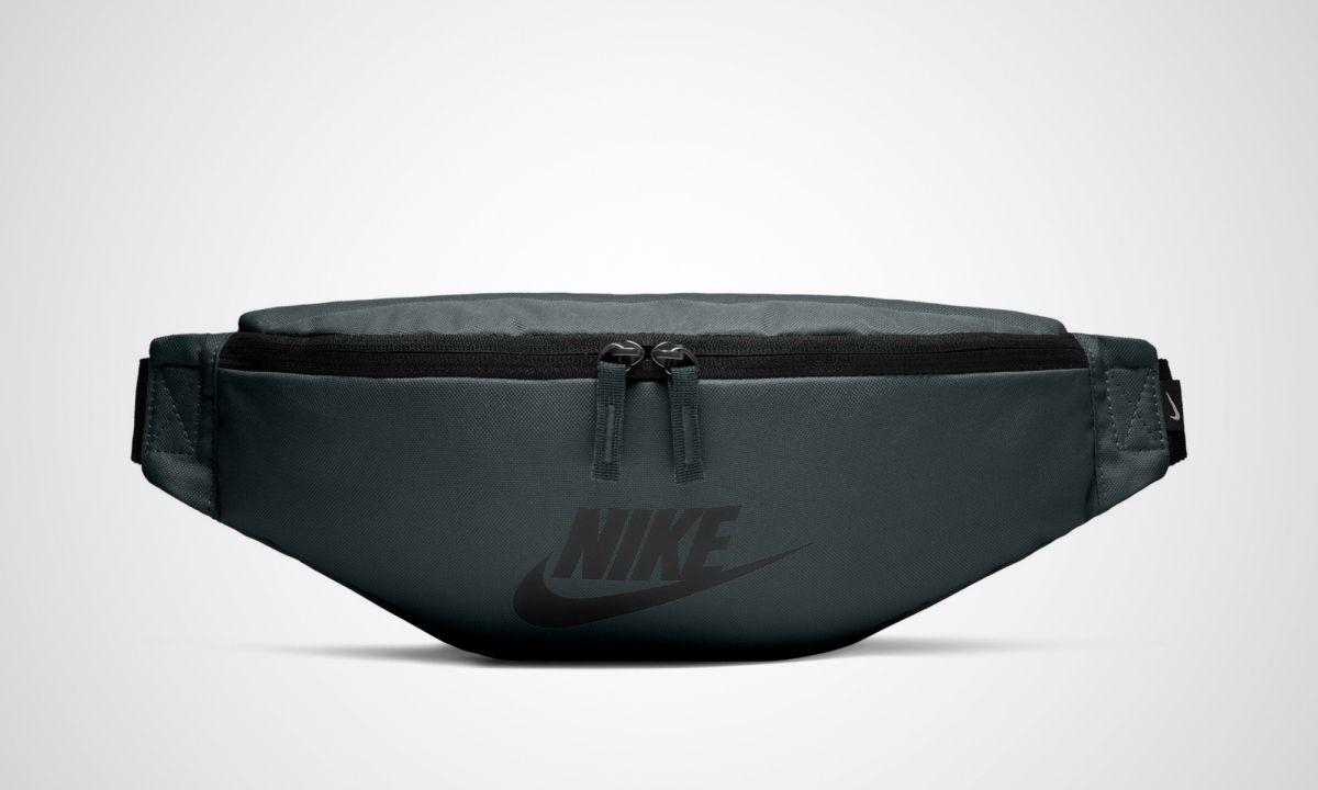 5b44d799e2 Type Backpacks Nike Sportswear Heritage Hip Pack