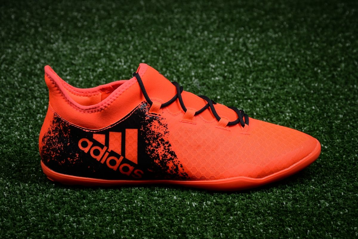 separation shoes 0b7fe 4147f Type Soccer adidas X 16.2 Court