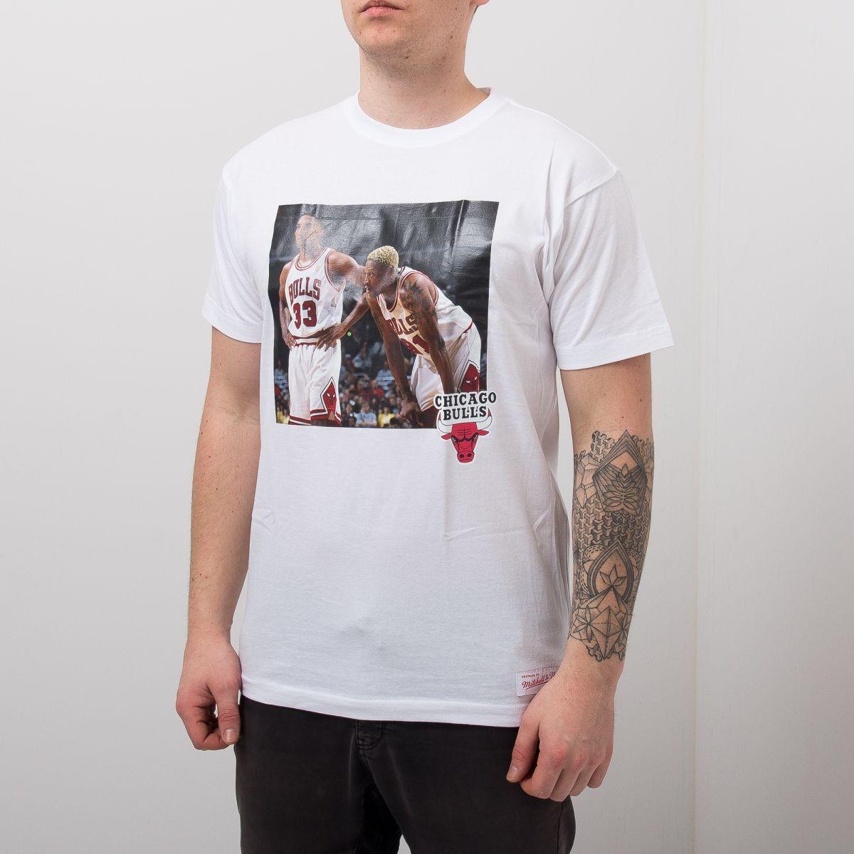 wholesale dealer ccb32 1a77f Type Shirts Mitchell & Ness Chicago Bulls Scottie Pippen & Dennis Rodman  Real Player Print Tee