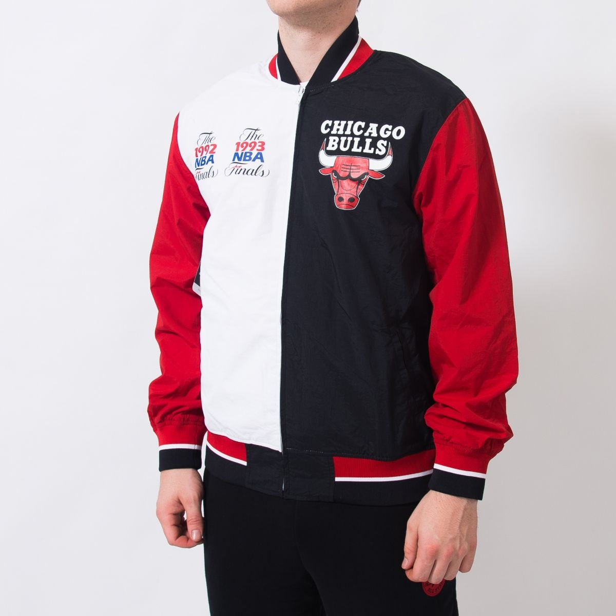 best service 26071 2d039 Type Jackets Mitchell  amp  Ness NBA Chicago Bulls Team History Warm Up  Jacket 2.0