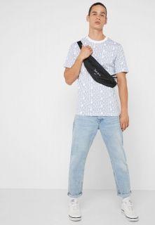 Type Shirts Nike Sportswear HBR Graphic T-Shirt