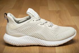 Маратонки за бягане adidas alphabounce EM