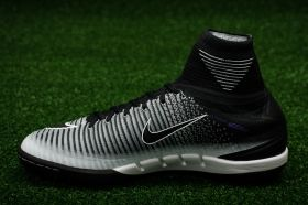 Футболни обувки Nike MercurialX Proximo II DF TF